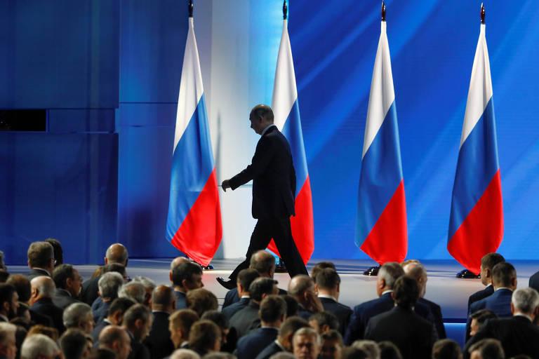 O presidente russo, Vladimir Putin, após terminar seu discurso anual à Assembleia Nacional, em Moscou