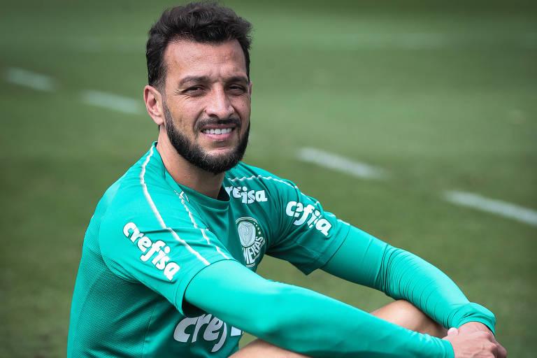 Edu Dracena na Academia de Futebol do Palmeiras antes da aposentadoria