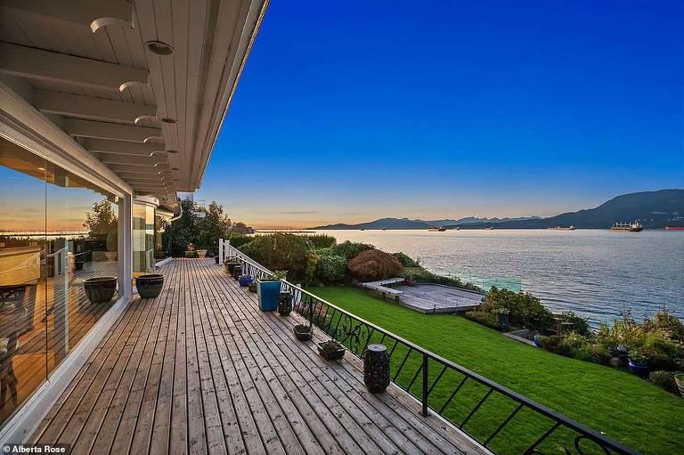 Príncipe Harry e Meghan Markle estão de olho em mansão de R$ 114 milhões