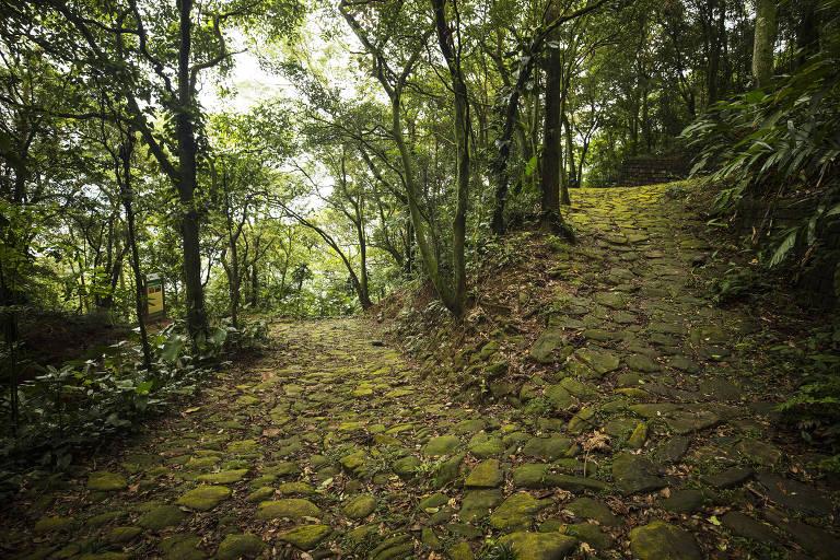 Calçada do Lorena, construída no século 18, uma das principais atrações da trilha