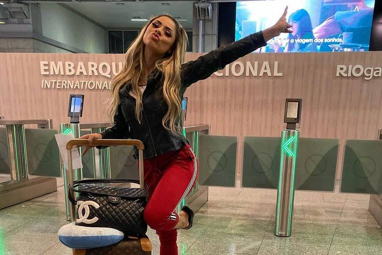 Lexa viaja para Aspen ao encontro de Anitta
