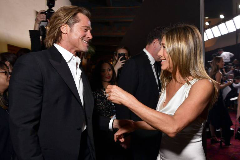 Brad Pitt e Jennifer Aniston se encontram no SAG Awards