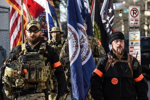 An armed militia gathers on a Gun Lobby Day in front of the Virginia State Capitol building in Richmond, VA, U.S. January 20, 2020. REUTERS/Stephanie Keith ORG XMIT: NYK817