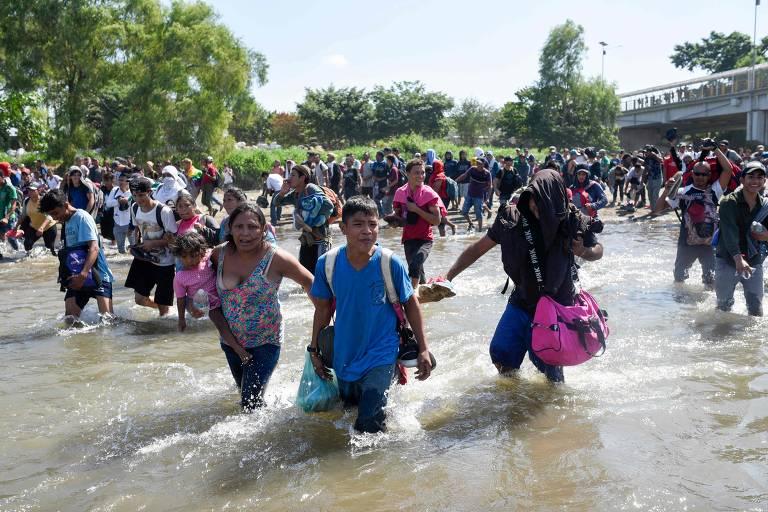 Nova caravana de migrantes entra em choque com polícia no México