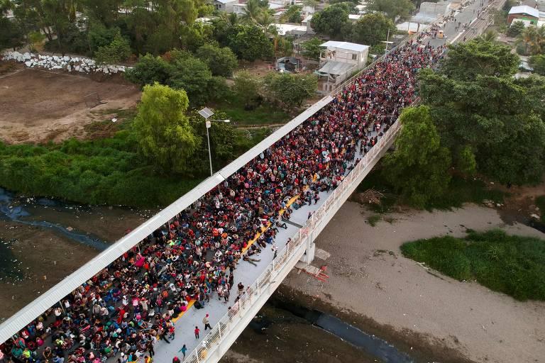 Milhares de centro-americanos tentaram chegar aos EUA via México, em janeiro