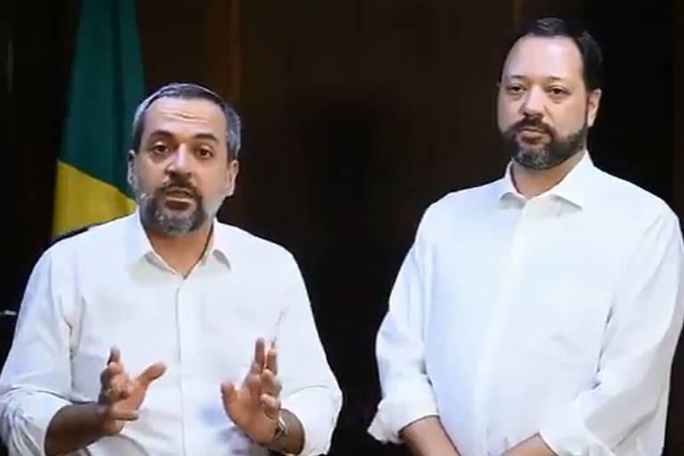 O ministro da Educação, Abraham Weintraub (à esq.), e o presidente do Inep, Alexandre Lopes, falam em vídeo sobre problemas no Enem
