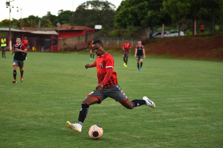Diego Cardoso treina no Botafogo