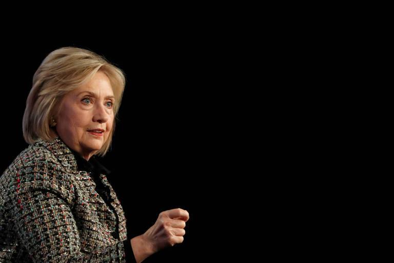 Ninguém gosta de Bernie Sanders, diz Hillary Clinton em série