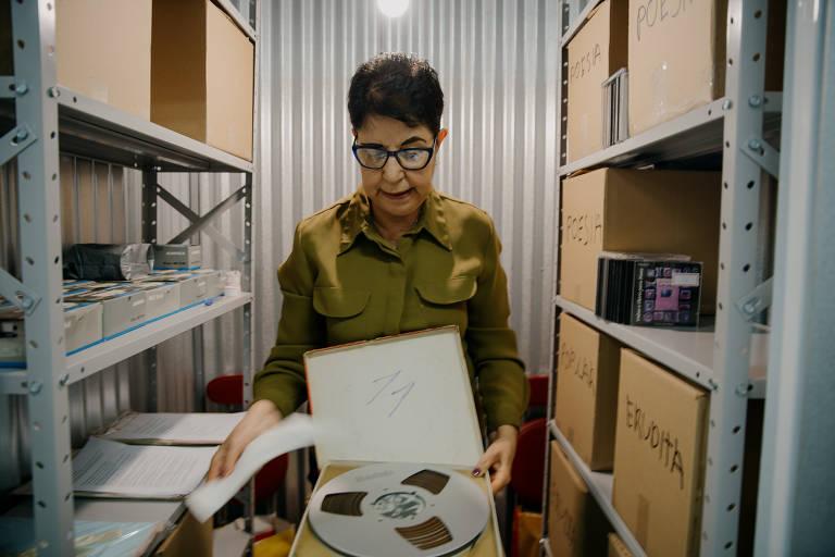 Gracita Garcia Bueno, sobrinha de Irineu Garcia, criador do selo Festa. Acervo do selo Festa, que funcionou entre 1955 e 1971, e lançou um dos primeiros discos de bossa nova, além de literatura em áudio