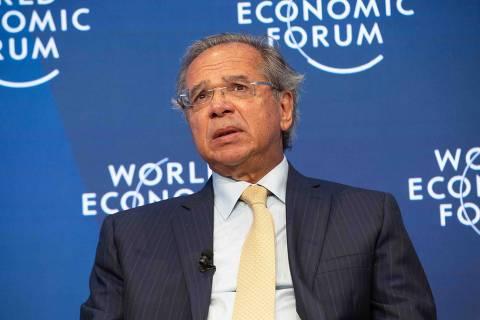Governo avalia imposto do pecado para doces, afirma Guedes