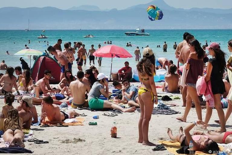 Turismo de massa em Maiorca, nas ilhas Baleares, arquipélago espanhol no Mediterrâneo