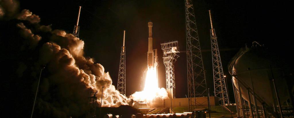 Foguete Atlas V parte de Cabo Canaveral (Flórida) levando a cápsula Starliner, da Boeing, que tinha a Estação Espacial Internacional como destino