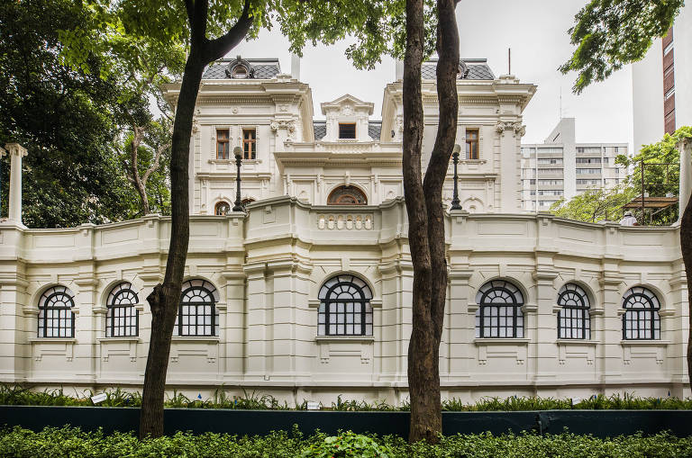 Nova sede Paço das Artes ocupa garagem do casarão Nhonhô Magalhães