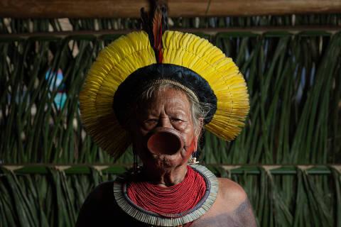 SÃO FRANCISCO DO XINGU, MT, BRASIL, 15-01-2020: Segundo dia do Encontro dos Povos Mebengokrê e demais lideranças indígenas do Brasil, na aldeia de Piraçu, as margens do Rio Xingu, no Mato Grosso. Retrato do lider indigena Raoni. (Foto: Bruno Santos/ Folhapress) *** FSP-PODER *** EXCLUSIVO FOLHA***