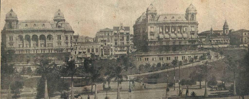 Vale do Anhangabaú, em 1924; os dois palacetes foram demolidos