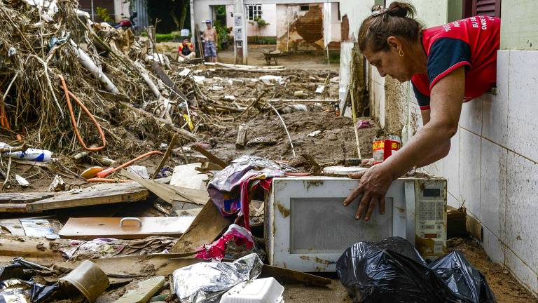 Chuvas de verão no Sudeste deixam mortos e desabrigados