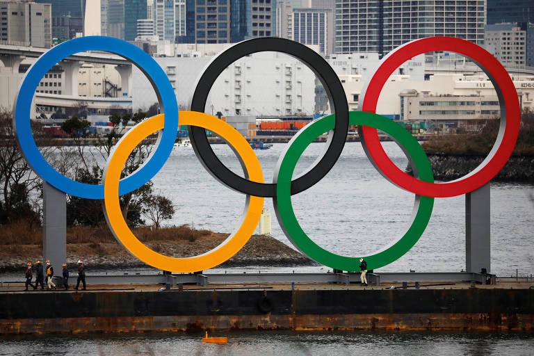 Anéis olímpicos gigantes em Tóquio