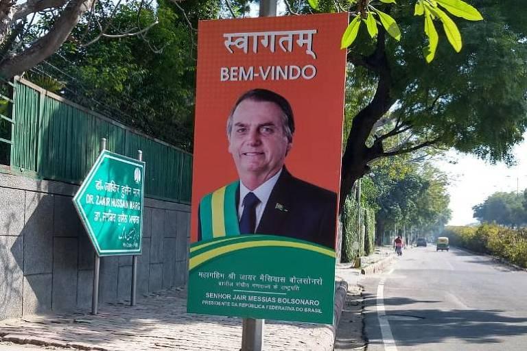 Cartaz de boas vindas ao presidente Jair Bolsonaro em Déli, na Índia