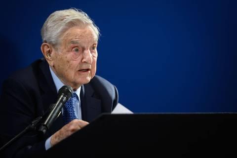 Soros anuncia projeto de US$ 1 bilhão para combater ditadores e critica Bolsonaro