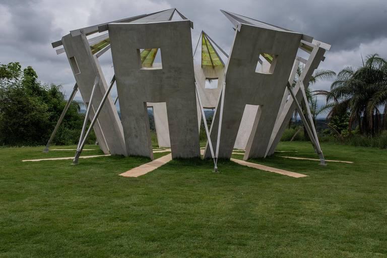 Obra de Robert Irwin no Instituto Inhotim, inaugurada em 2019. Museu conseguiu recuperar perda de visitantes após tragédia