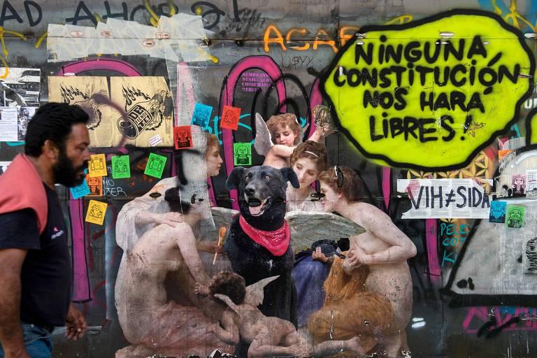 Mural com a imagem do cão batizado de Negro Matapacos, em Santiago