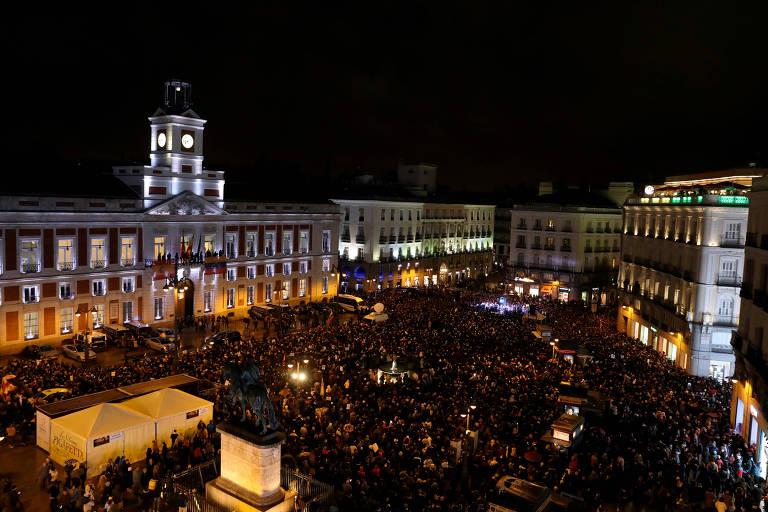 Apoiadores de Juan Guaidó durante ato na Porta do Sol, em Madri