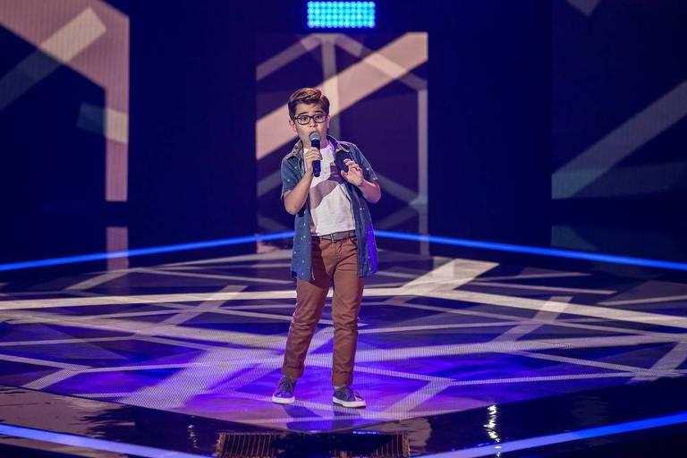 Lucas Mohallen canta 'A Lenda' no 'The Voice Kids'