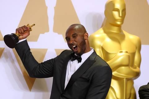 90th Academy Awards - Oscars Backstage - Hollywood, California, U.S., 04/03/2018 - Kobe Bryant with Best Animated Short Film Award for