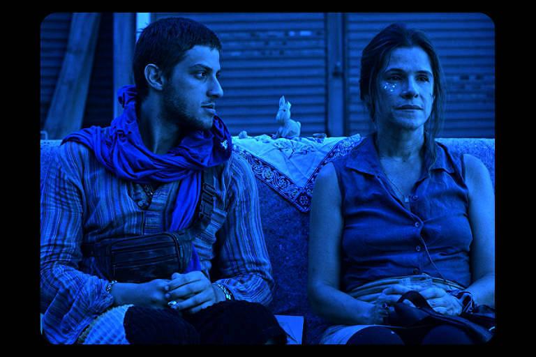 Cena do filme 'O Sofá', de Bruno Safadi