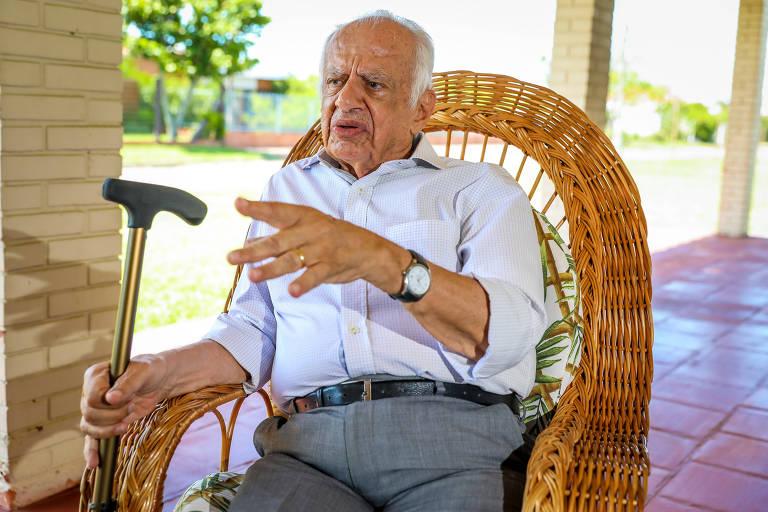 O ex-senador e ex-governador Pedro Simon, durante entrevista para a Folha