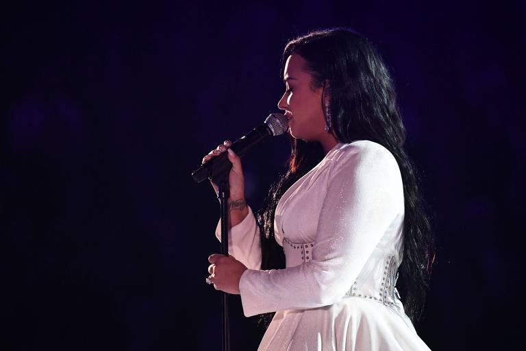 A cantora Demi Lovato se apresenta durante o 62º Grammy