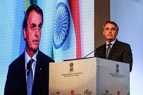 'Guerra de informação' é fundamental para andamento da reforma administrativa, diz Bolsonaro