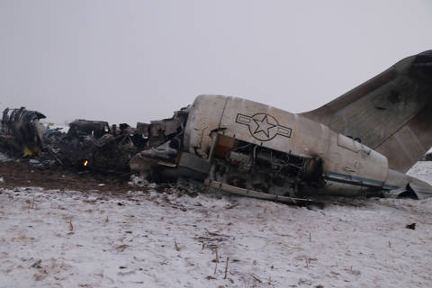 The wreckage of an airplane is seen after a crash in Deh Yak district of Ghazni province, Afghanistan January 27, 2020.    NO RESALES. NO ARCHIVES. ORG XMIT: KAB07