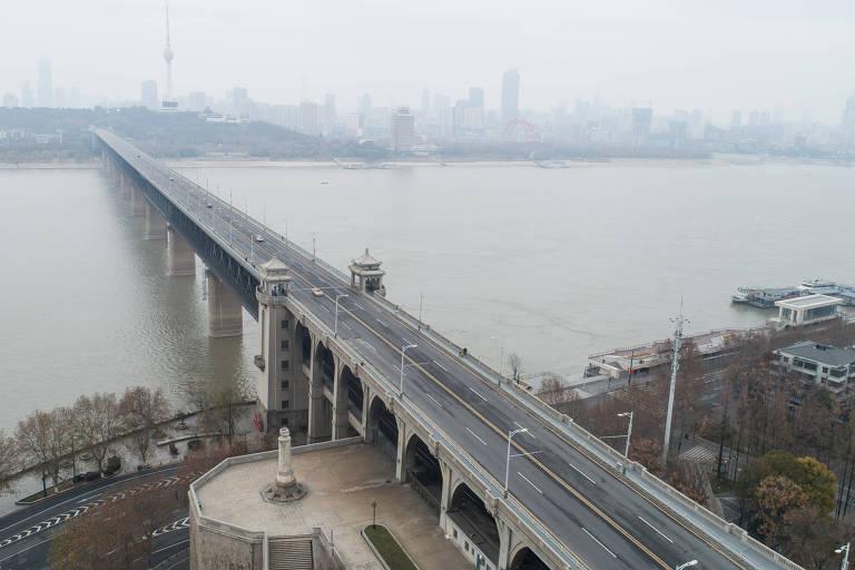 Foto aérea de Wuhan, na China; governo prorrogou feriado para tentar conter coronavírus