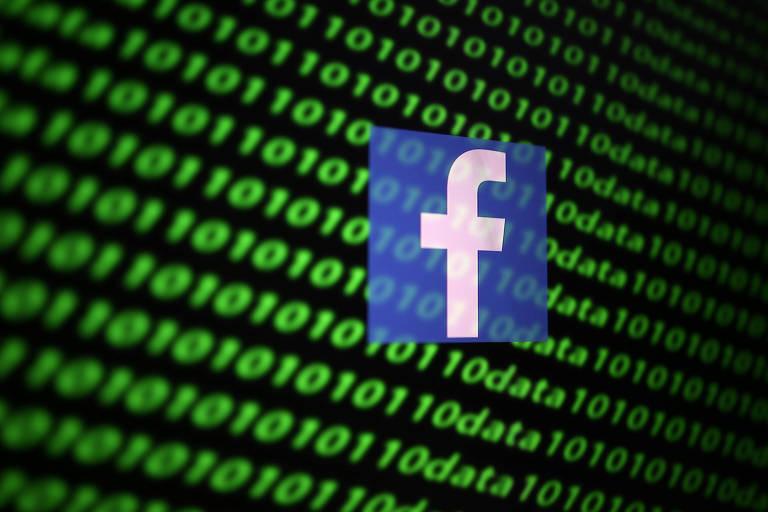 Logo do Facebook e códigos binários