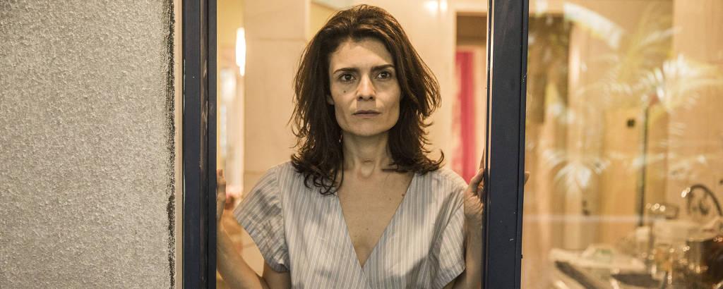 Arieta Correa interpreta Leila em
