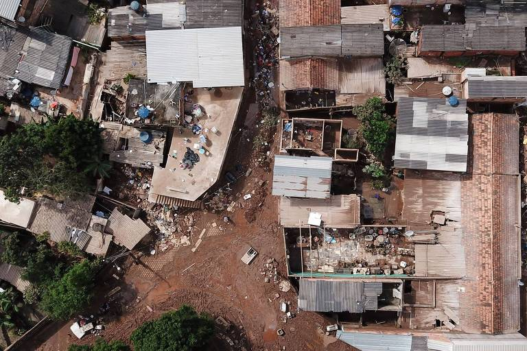 Vejas as fotos mais impressionantes das chuvas em Minas Gerais