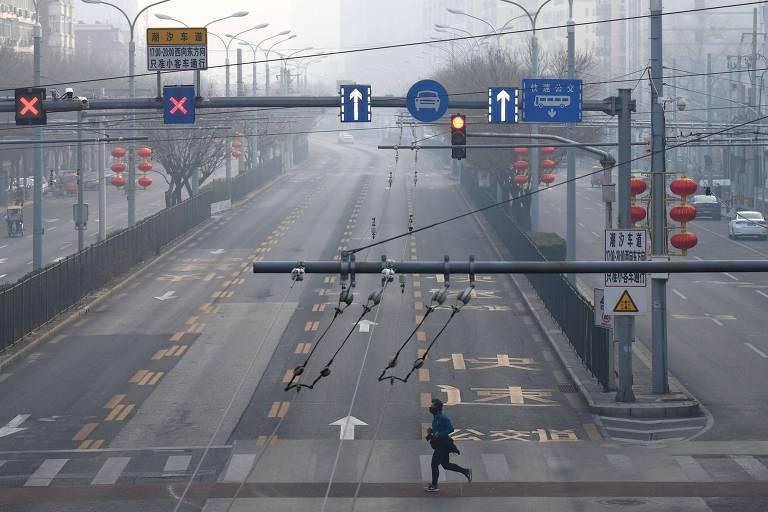 Pequim parece cidade-fantasma após surto de coronavírus, relata brasileiro