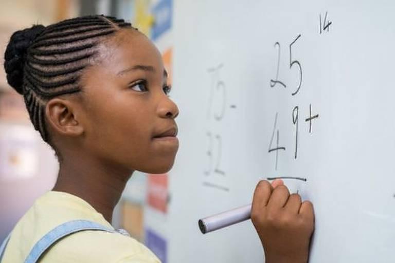 Olhou a solução de um exercício de matemática e acha que entendeu o conceito? Então pratique-o. Apenas ler a solução não vai consolidar o entendimento no seu cérebro