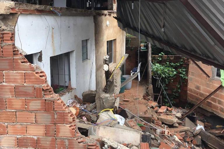 Casa de morador de Nova Lima (MG) morto ao tentar escoar água da chuva em casa