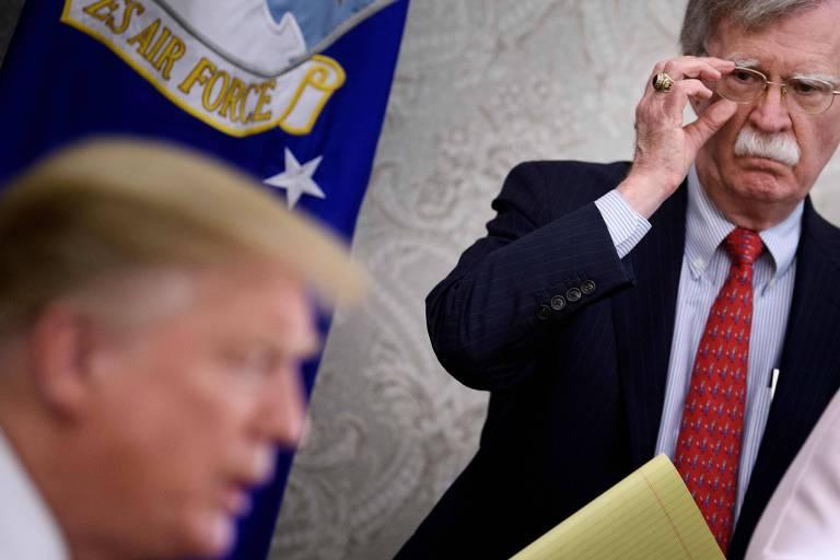O então assessor de Segurança Nacional da Casa Branca, John Bolton, e o presidente americano Donald Trump, durante uma entrevista coletiva em maio de 2019