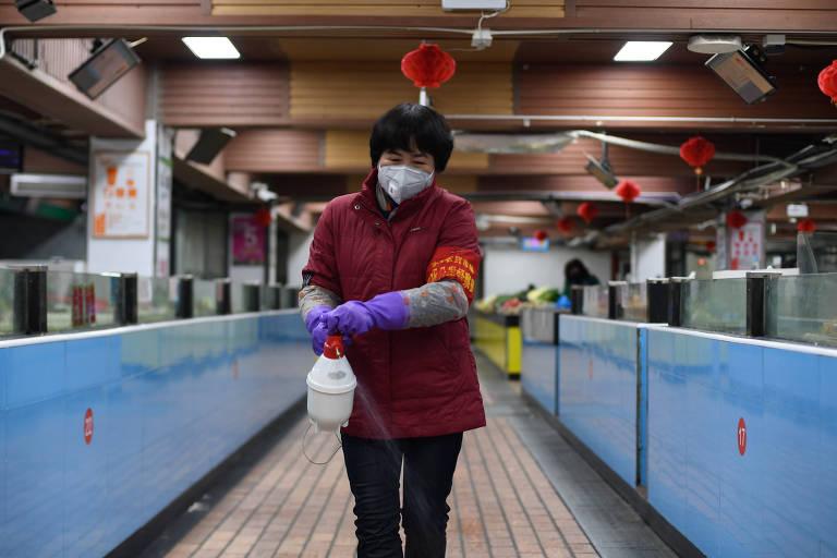 Cidades da China ficam vazias com avanço do coronavírus