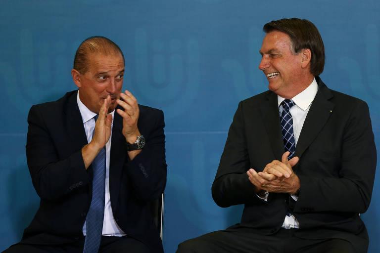O presidente Jair Bolsonaro e o ministro Onyx Lorenzoni (Casa Civil), em solenidade no Palácio do Planalto