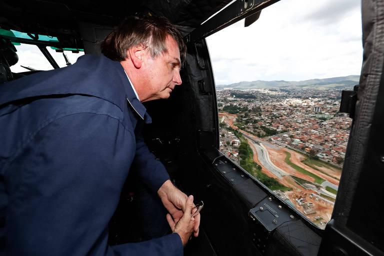 Presidente Jair Bolsonaro durante sobrevoo das áreas atingidas pelas chuvas em Belo Horizonte