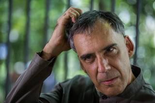 O cantor e compositor Arnaldo Antunes durante entrevista em São Paulo