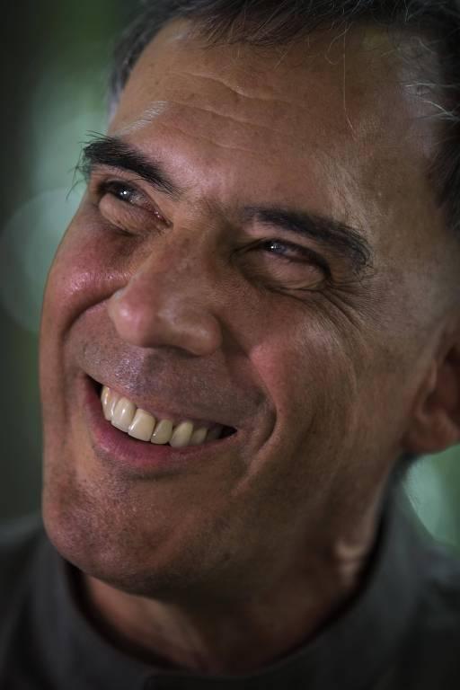Este é Arnaldo Antunes