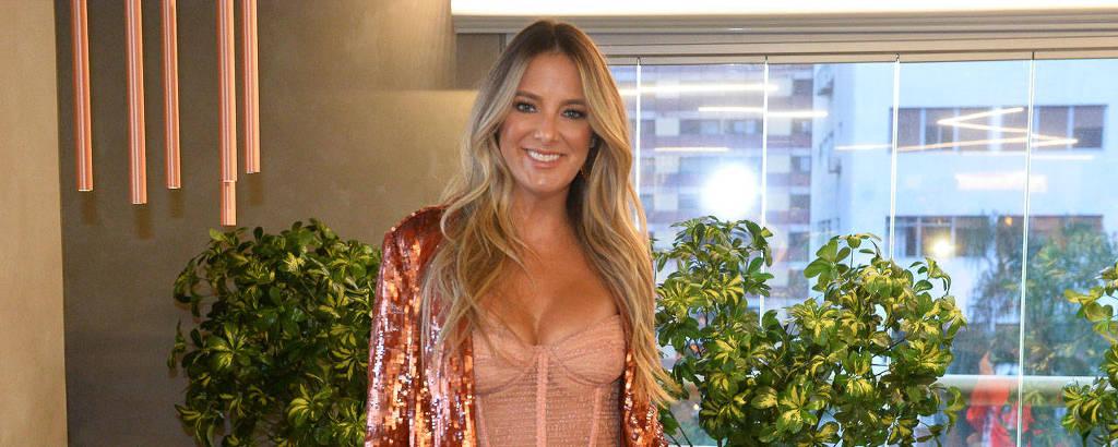 Ticiane Pinheiro na coletiva de imprensa da nova temporada do reality show Troca de Esposas