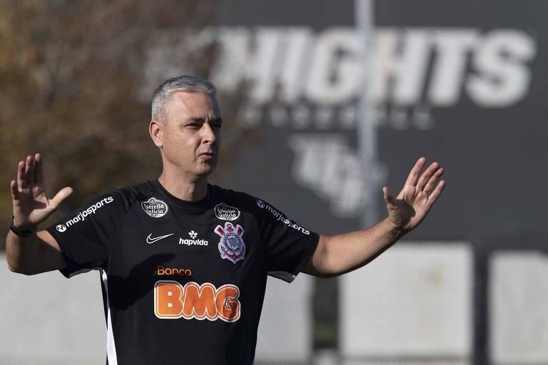 Tiago Nunes  sentirá a pressão da Gaviões da Fiel e também da necessidade de derrotar o Santo André pelo Paulistão; é vencer ou vencer