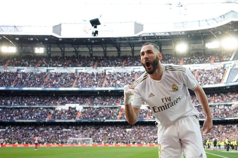 Benzema comemora o gol da vitória no clássico diante do Atlético
