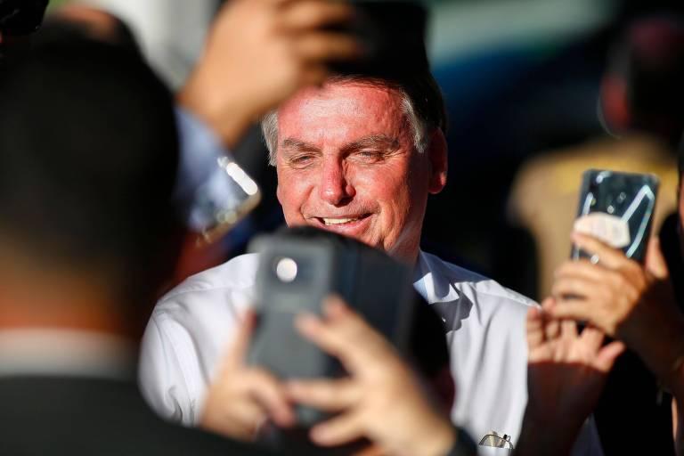 O presidente Jair Bolsonaro, em frente ao Palácio da Alvorada
